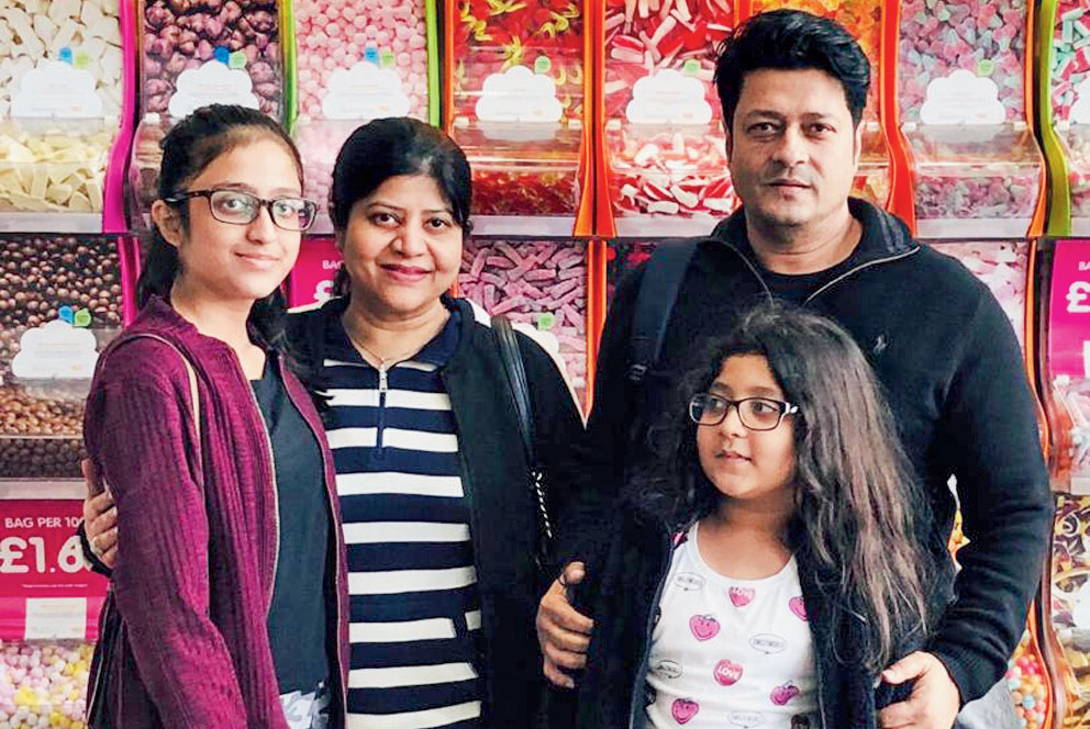 Bangladesh superstar Ferdous Ahmed's Family