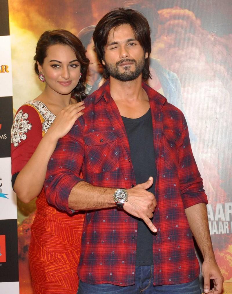 Shahid Kapoor and Sonakshi Sinha
